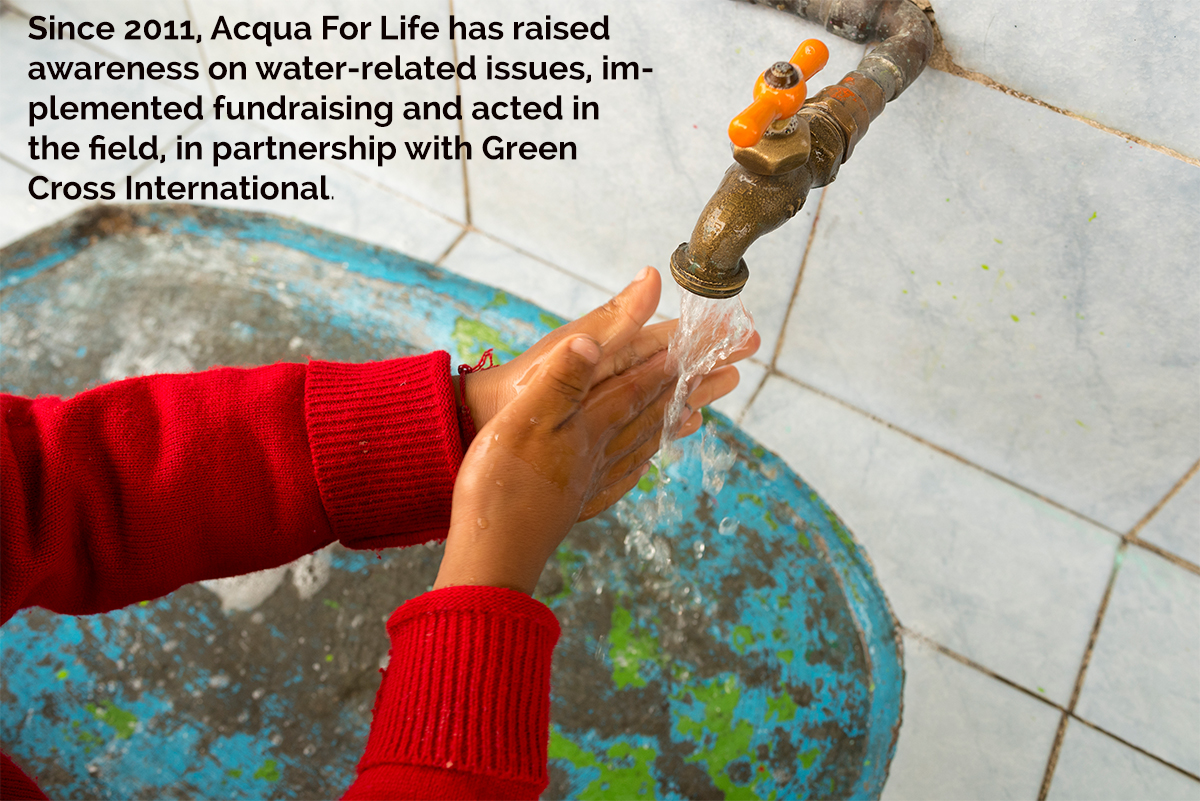 Child washing hands Acqua For Life Armani World Water Day